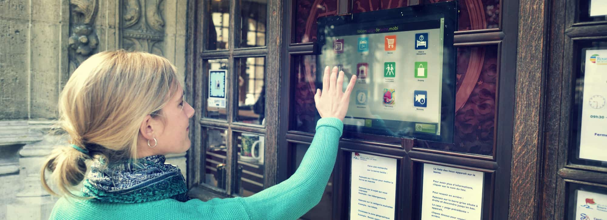 Touchscreen Terminals Borne tactile office de tourisme Rouen Normandie